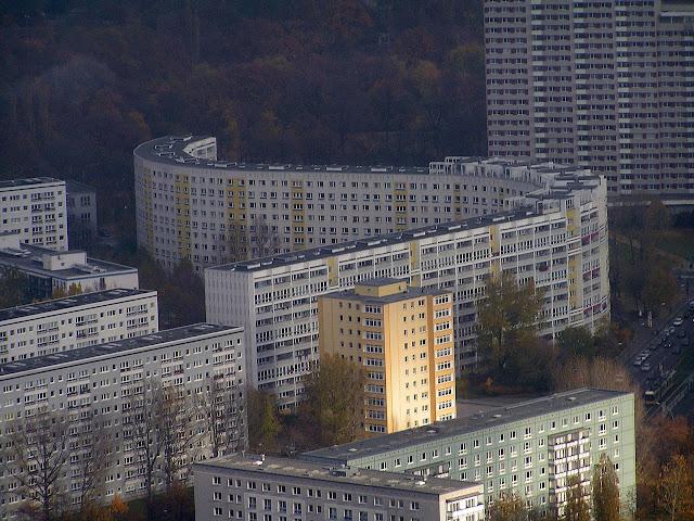 ☭ LA HUELLA SOCIALISTA SOVIETICA EN BERLIN ALEMANIA ☭ 045%20-%20Edificio%20Socialista%20desde%20Fernsehturm