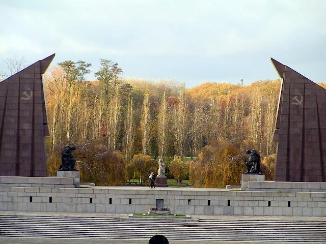 ☭ LA HUELLA SOCIALISTA SOVIETICA EN BERLIN ALEMANIA ☭ 119%20-%20Vista%20desde%20la%20Estatua