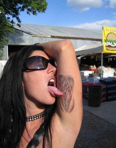 tatuajes de camaron. tatuaje madrid. estudio de tatuajes madrid. Seguramente, la chica de la