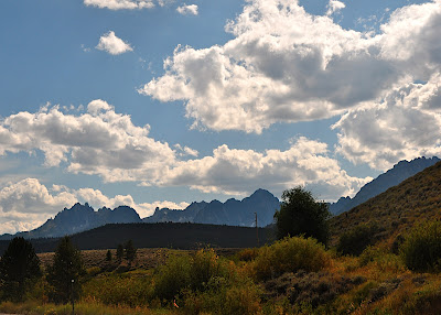 roadside view of the Sawtooth Mountains in Idaho