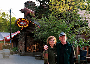 victoria and mike at grizzly bar