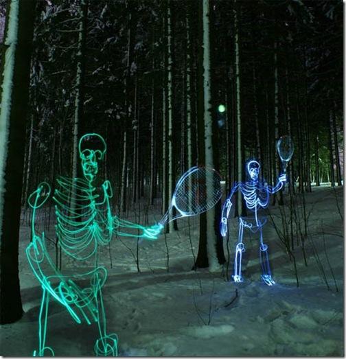 Finlandês cria esqueletos feitos com luz