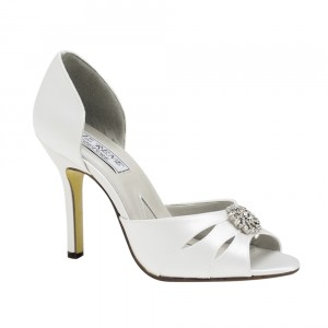 quality-bridal-shoes_1935_12826298-300x300.jpg