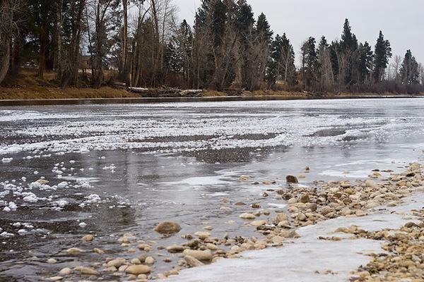 Scenic-Saturday-freezing-river