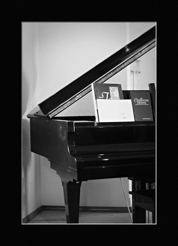 Monochrome Monday piano
