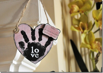 Heart Hand Mantel 2