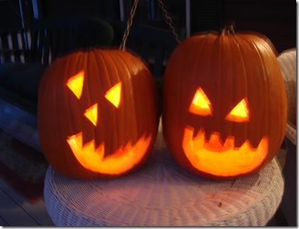 Carving pumpkins Halloween 2010 040
