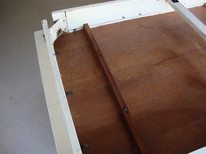This is the underside -- shows what I think is Mahogany.