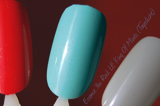 Essence Your Rock LE King Of Mints Swatch Tageslicht