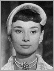 220px-Audrey_Hepburn_Roman_Holiday_cropped[2]