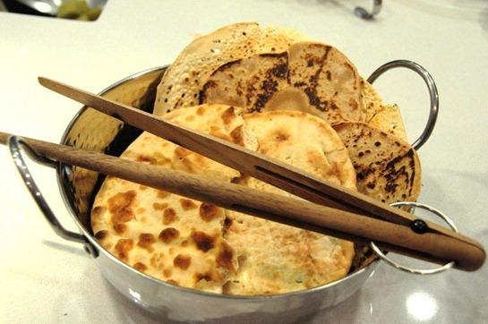Pães - chapati, naan, papadum