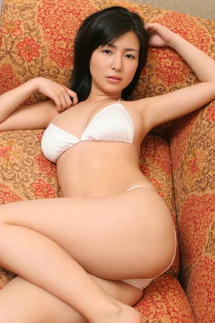 Meguru Ishii Japanese gravure idol pictures porn star