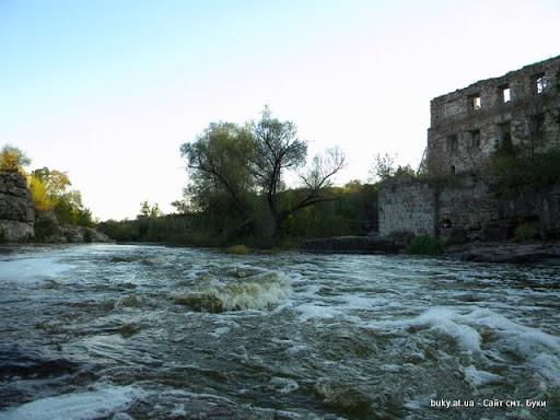 крепость в Буках