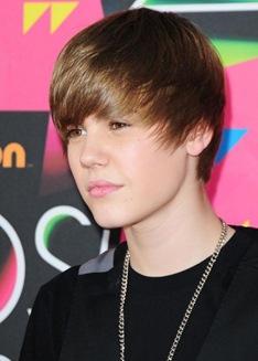 Cabelo-de-Justin-Bieber-Penteado-573x800