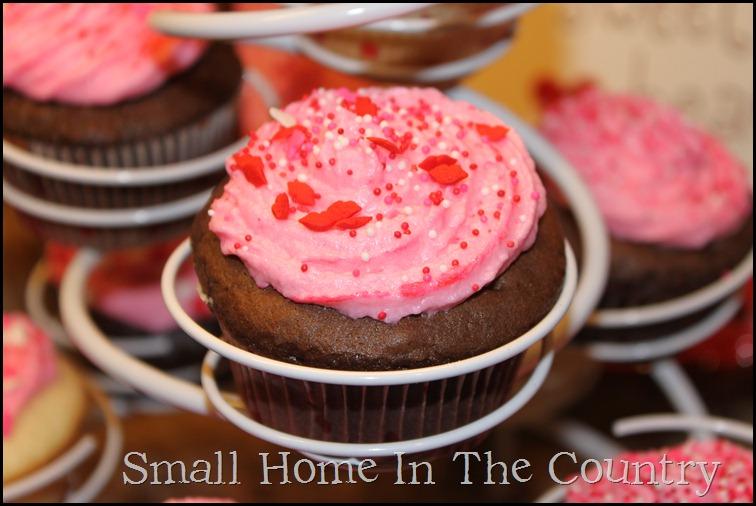 Valentines cupcakes 039