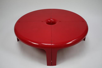 Quattro quarti, low table, red