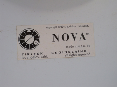 Nova clock, label