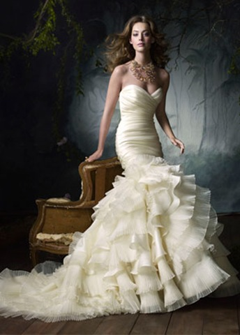 Have a look at Lazaro 39s wedding gown below for more information visit the