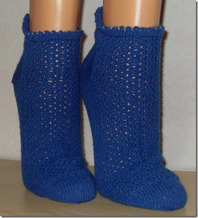 2011_05 Sneakers in blau (1) (724x800)