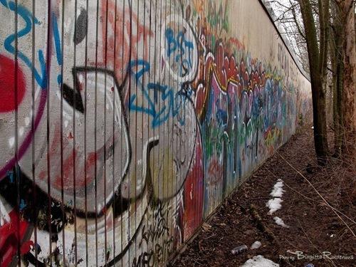 graffitishame_20110205_1