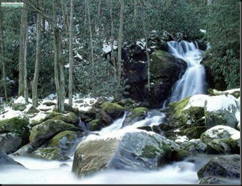 ELTALLERDELABRUJAMAR_Mouse Creek Falls in WinterCarolina