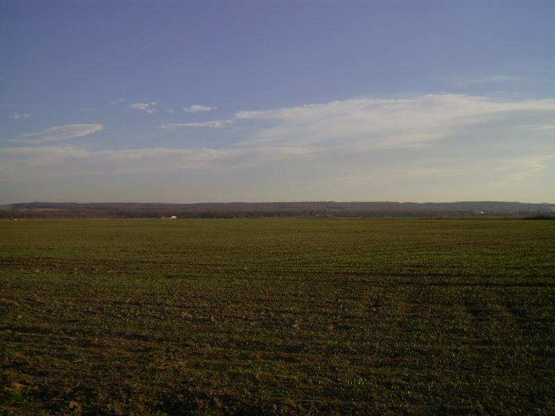 А це вже за Калушем: поля...