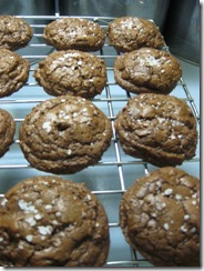 salted chocolate cookies 01