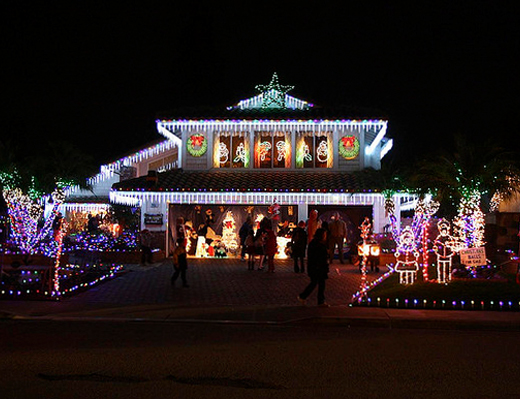 Best Christmas Displays in the OC: Birch Street in Brea - Best Christmas Displays In The OC: Birch Street In Brea - Popsicle Blog