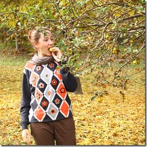 Maglione con fiori di feltro-2