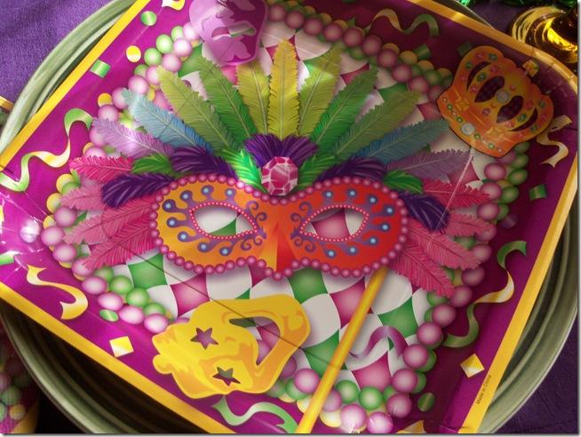 Mardi Gras tablescape 014