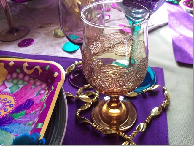 Mardi Gras tablescape 016