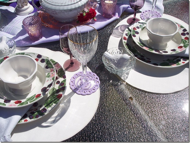 berry tablescape 034
