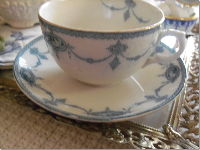 Antique blue teacup 006
