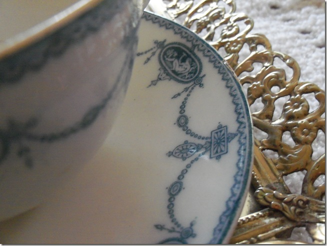 Antique blue teacup 010