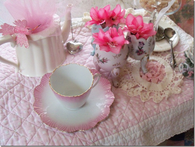 soft and pretty pink tea 001