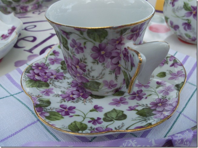tea among the violets 006