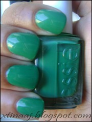 Essie - Pretty Edgy (inside)_wm