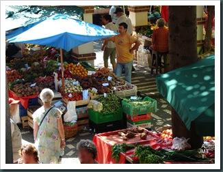 DSC03313-BIS-Funchal-marché aux fruits et légumes BW