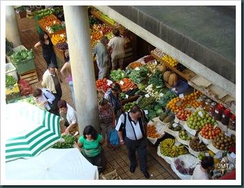 DSC03316-Funchal-marché-aux fruits et légumes BW