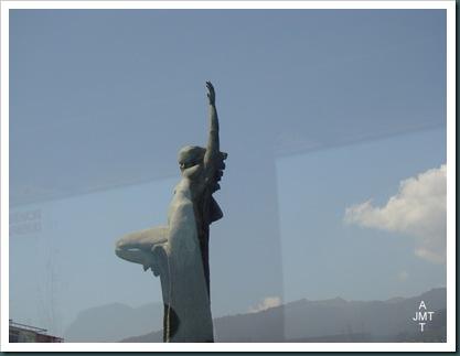 DSC03298-Funchal-place-de-l'autonomie monument BW