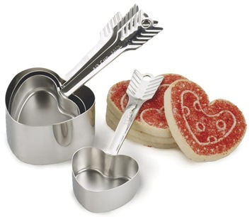Heart-Measuring-Cups