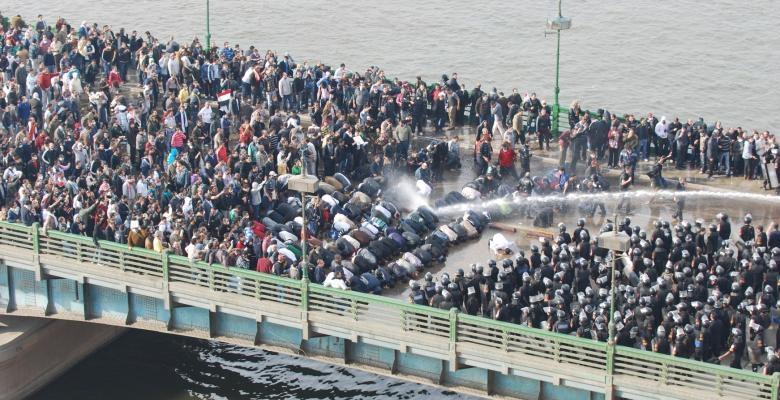 Manisfestantes pacíficos no Egipto a 25 de Janeiro de 2011