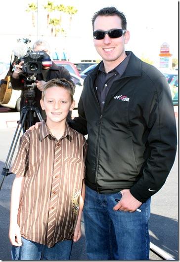 2009 Las Vegas NSCS Winners Circle Kyle Busch with Austin Blair
