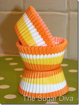 Cupcake Liners Orange swirl med