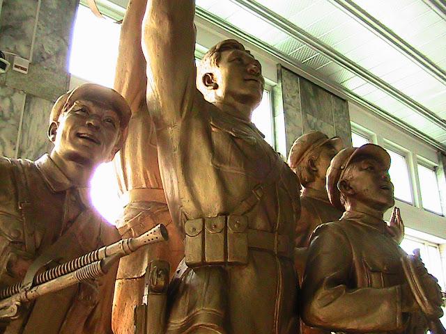 Fotos de las Crónicas de Un Viaje a Corea Museo%20Revoluci%C3%B3n%20%282%29