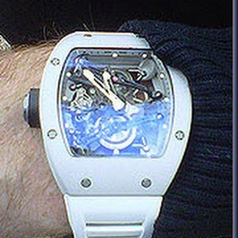 Bubba Watson's Watch Worth a Half a Million Dollars and Tiger in a Backless Versace