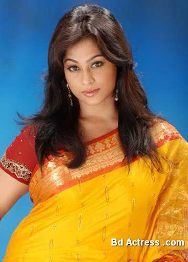 Bd actress Popy in Saree