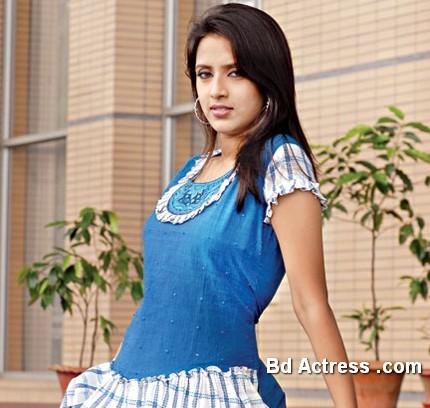 Bangladeshi Actress Mim-12