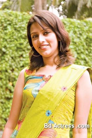 Bangladeshi Actress Mim-13