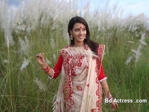 Bangladeshi Actress Mim Photo-02